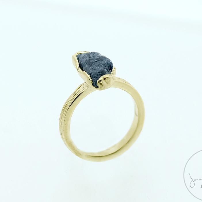 18 carat Yellow Gold Ring Ioliet