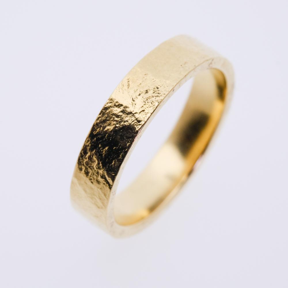 ring goud 5 mm oude hamer