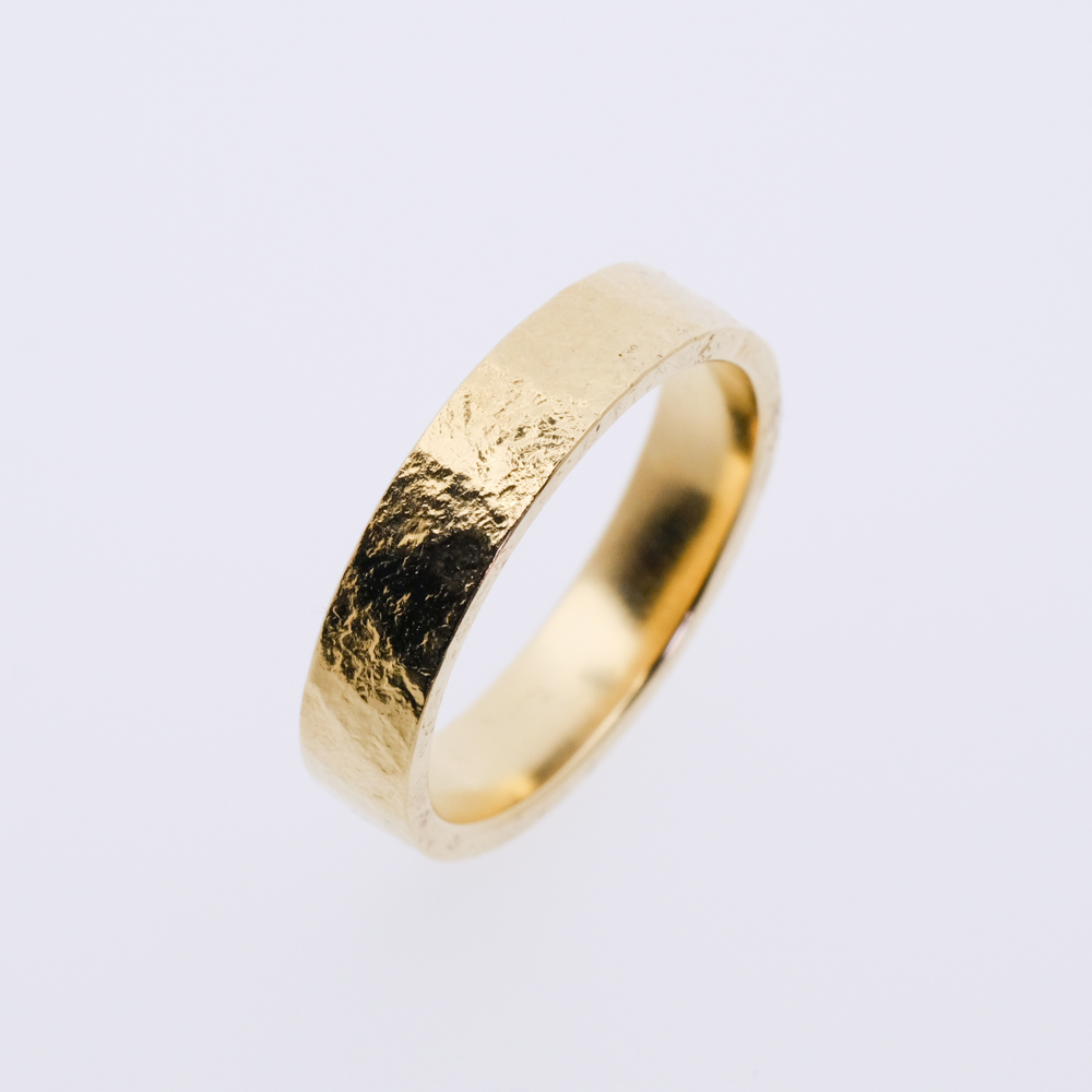 ring goud 5 mm oude hamer