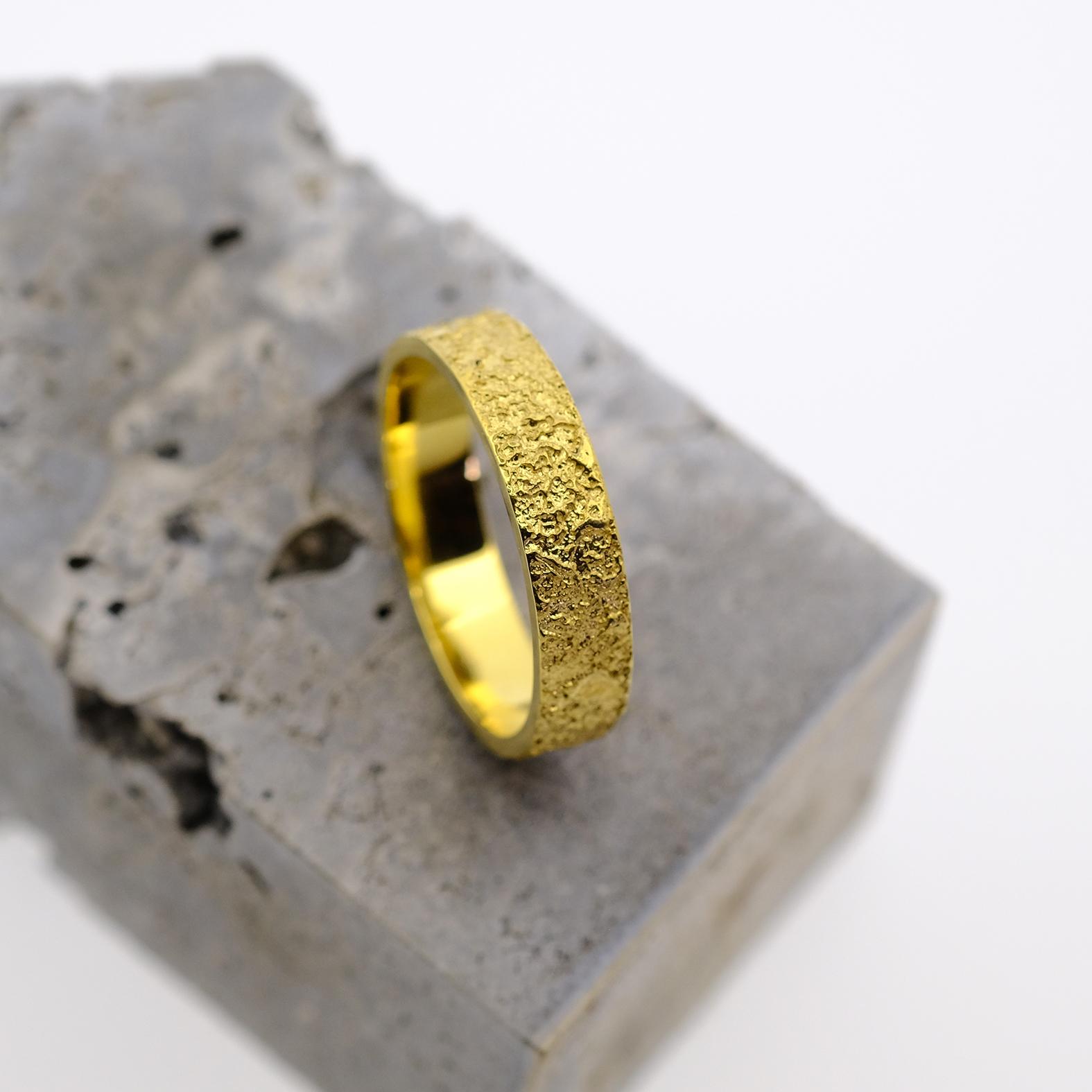 Geel gouden trouwring